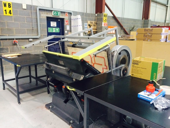 Zenith specification Crosland TXA Hand Platen, max sheet size 1066 x 810mm, Fully rebuilt and with latest light barrier guarding.